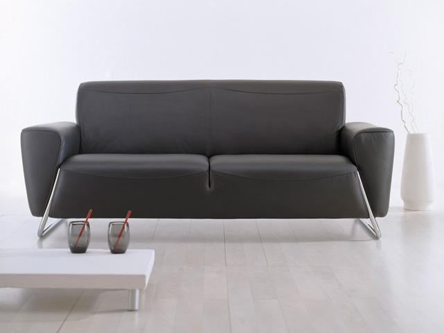черно белый диван